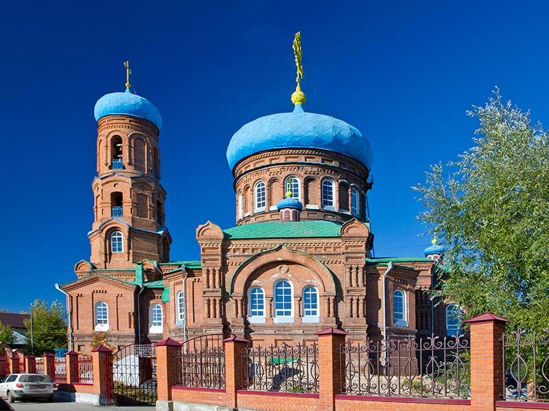 Покровский собор в Барнауле на фото