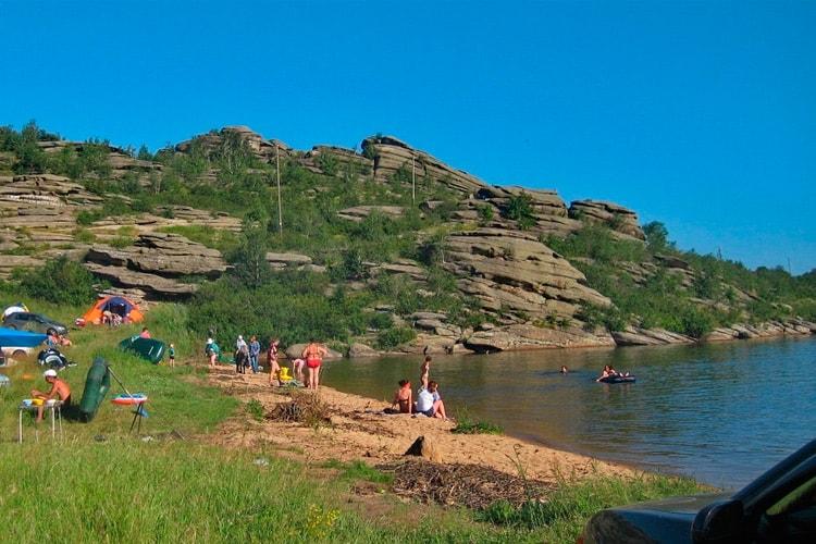 Отдых на Колыванском озере (gdealtai.ru)