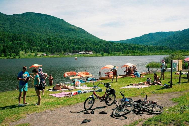 летний отдых на Алтае