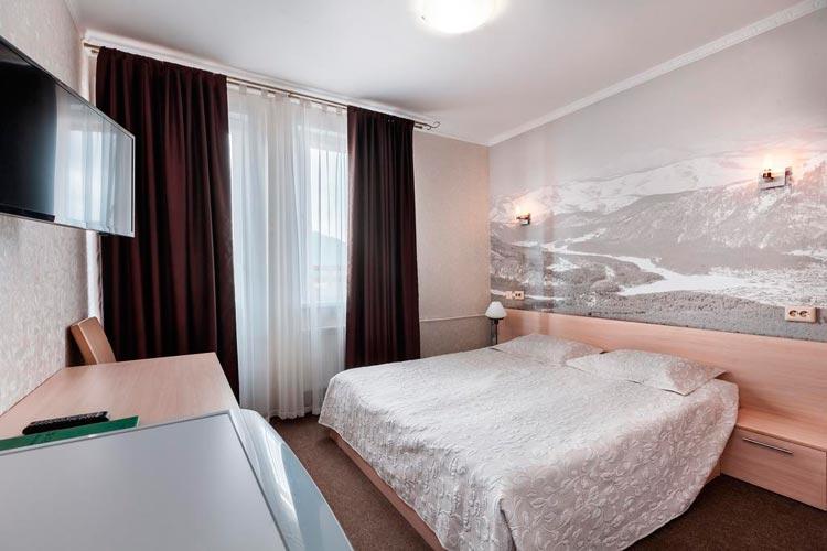 Номер в отеле курорт манджерок (gdealtai.ru)