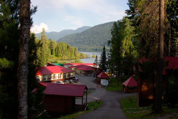 База отдыха Горное озеро